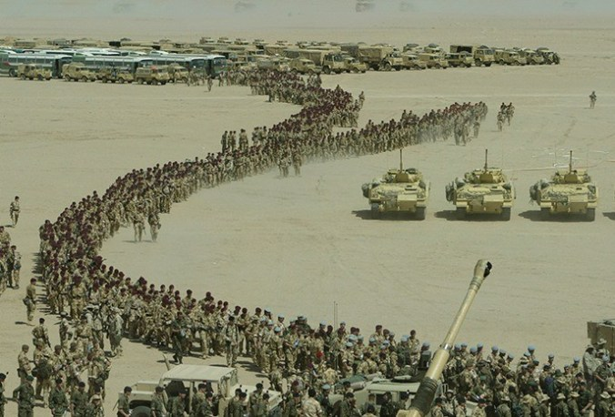 Iraq-war-tanks-and-infantry